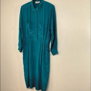 100% Silk. Ambria Green Long Sleeves Dress. Sz 14.